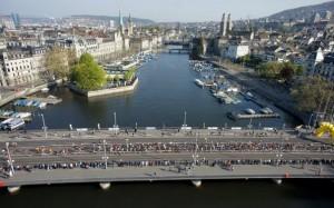 Zürich Marathon 2016  klein Brücke538395_10150712989079787_948470808_n