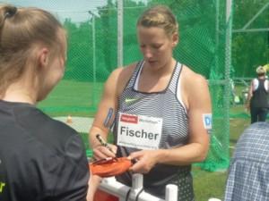 Halle Fischer klein Autogramme P1020827