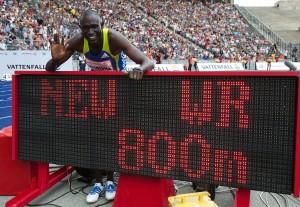 Leichtathletik Berlin 22.08.2010 ISTAF 800m Herren neuer Weltrekord fuer RUDISHA, David Lekuta KEN Foto: Camera 4