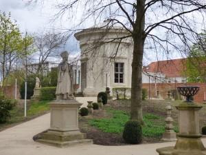Tempelgarten acht