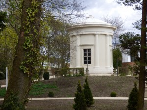 Tempelgarten sechs