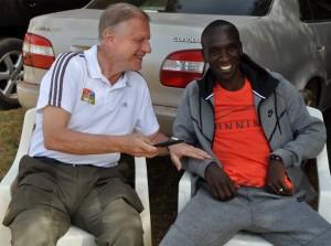 Eliud Kipchoge mit Olaf Kenia