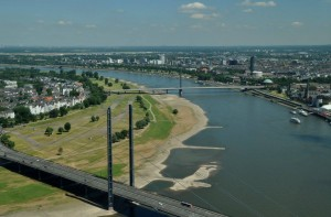 Düsseldorf dreiunddreißig