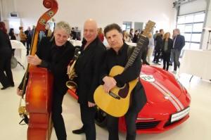 Kurt zweiundzwanzig The Rolling Bushmen Trio